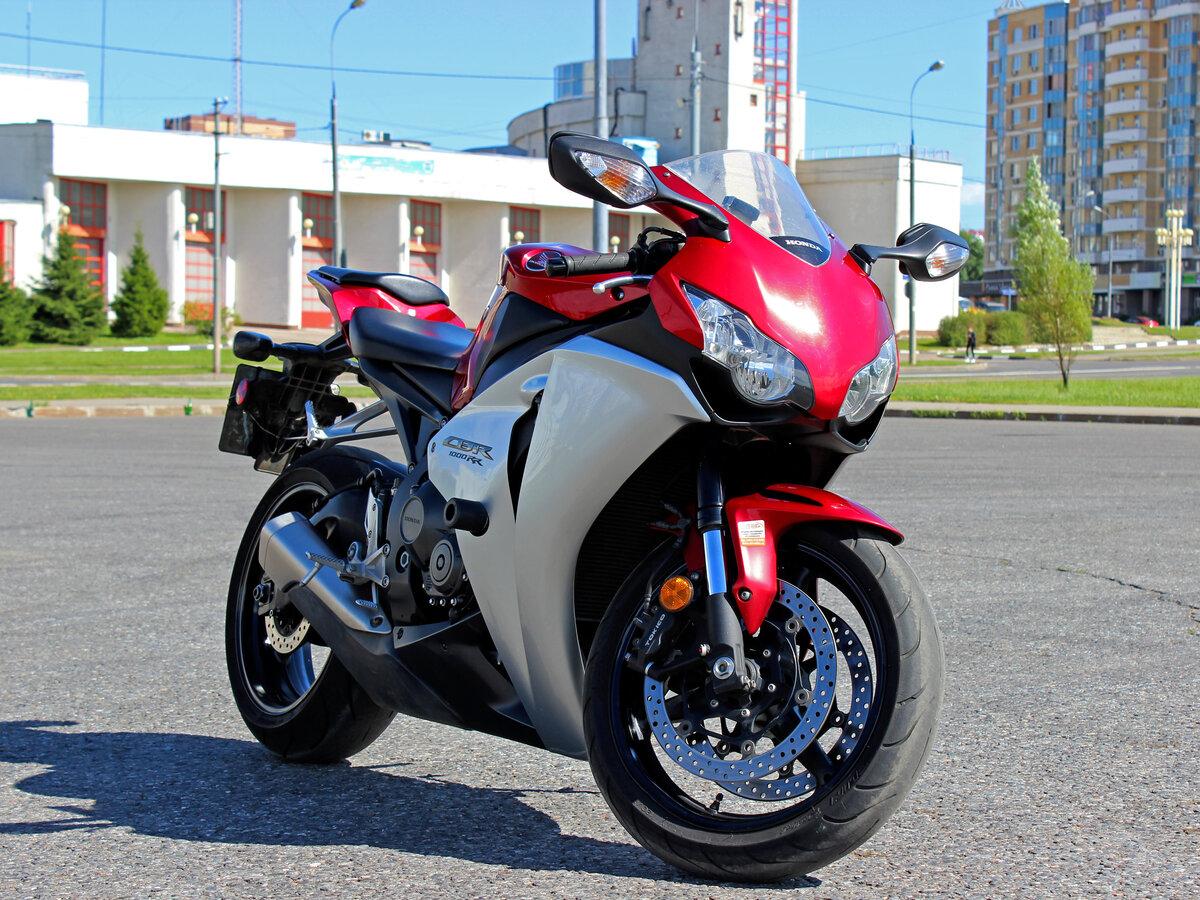 Honda CBR 1000RR Fireblade — огненная бритва