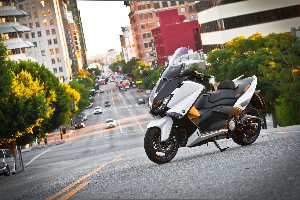 Модернизированный максискутер Yamaha TMAX 530 готов к выходу на рынок