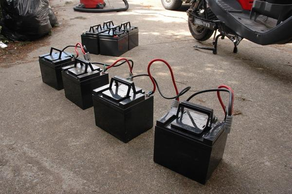 Обслуживание аккумулятора на скутере