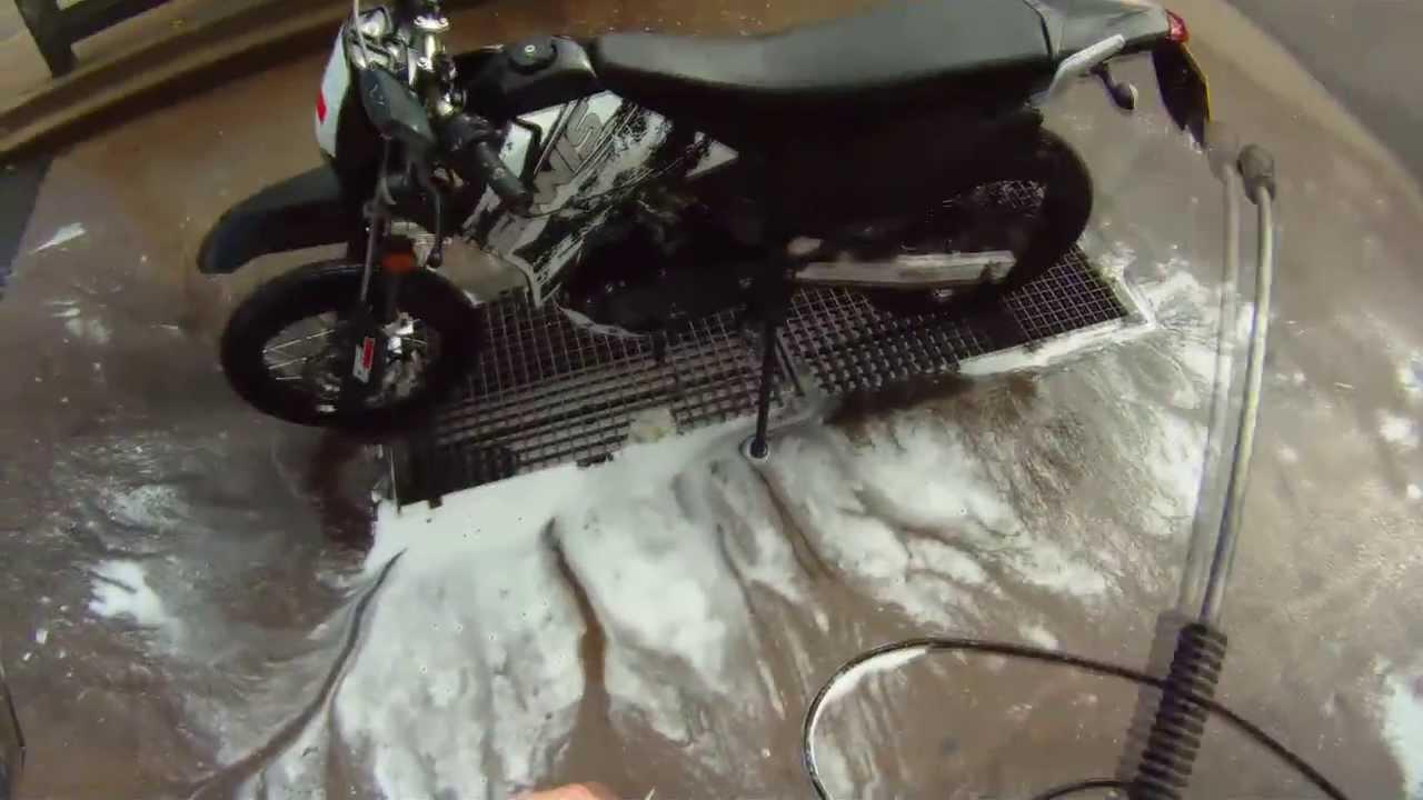 Как мыть мотоцикл правильно?