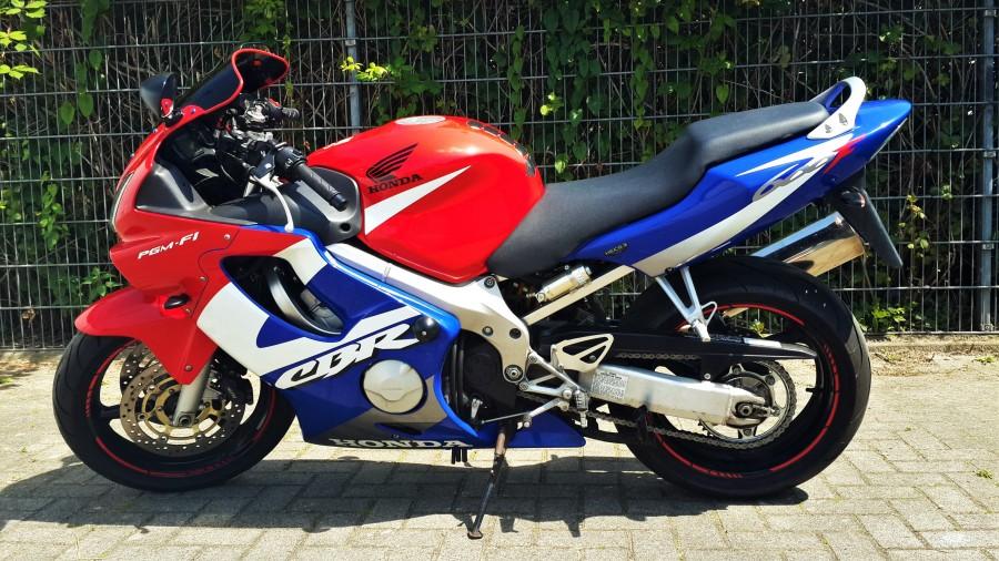 Тест-драйв мотоцикла Honda CBR600F