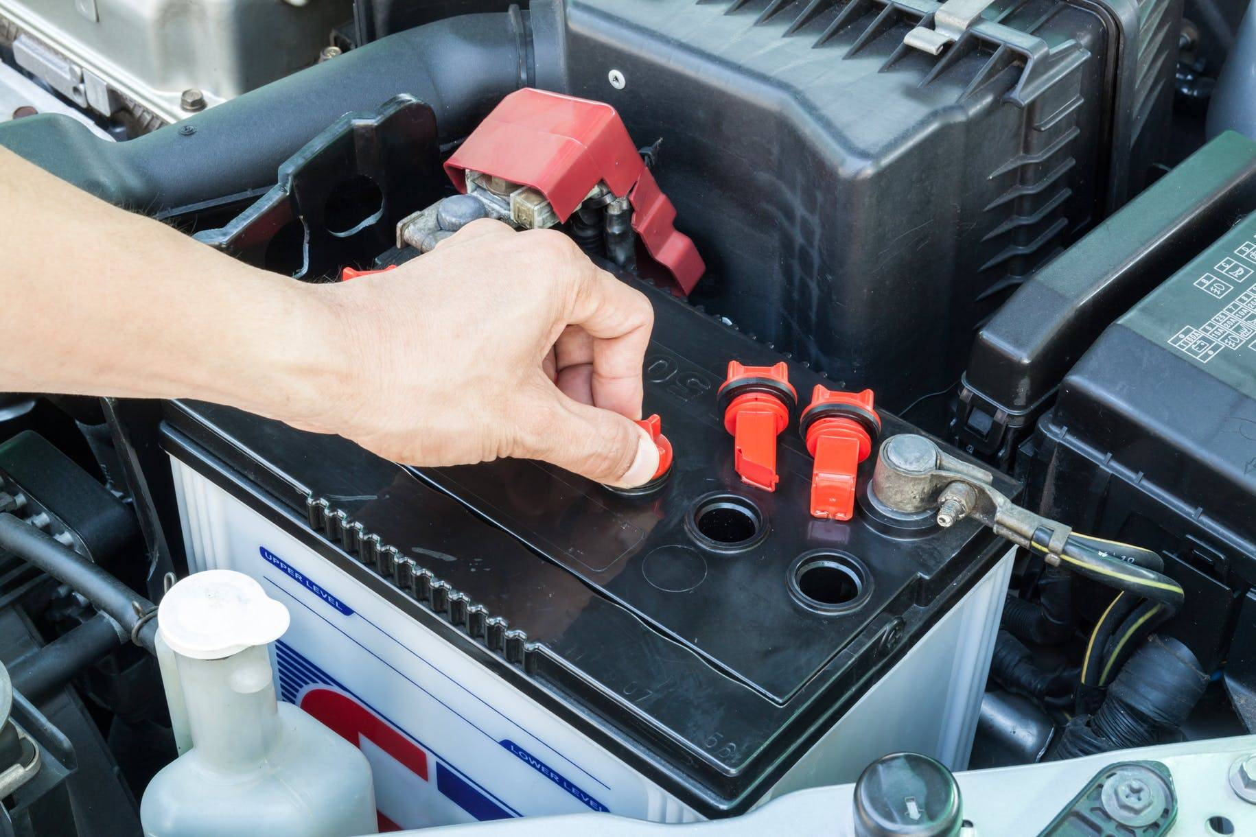 Как правильно использовать автомобильный аккумулятор