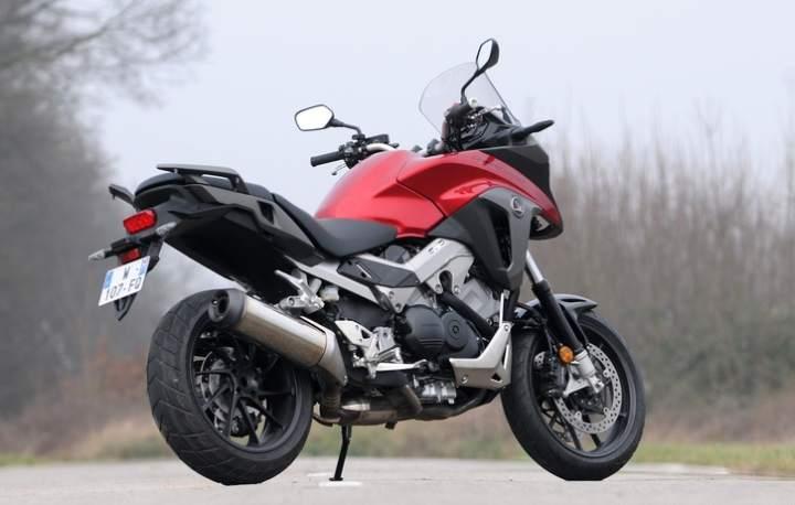 Обзор мотоцикла Honda Crossrunner