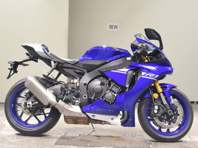 Yamaha R1 — самый популярный спортбайк в мире!