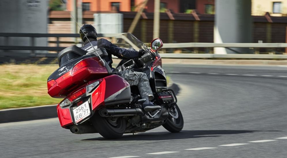 Тест-драйв мотоцикла Honda GL1800 Gold Wing