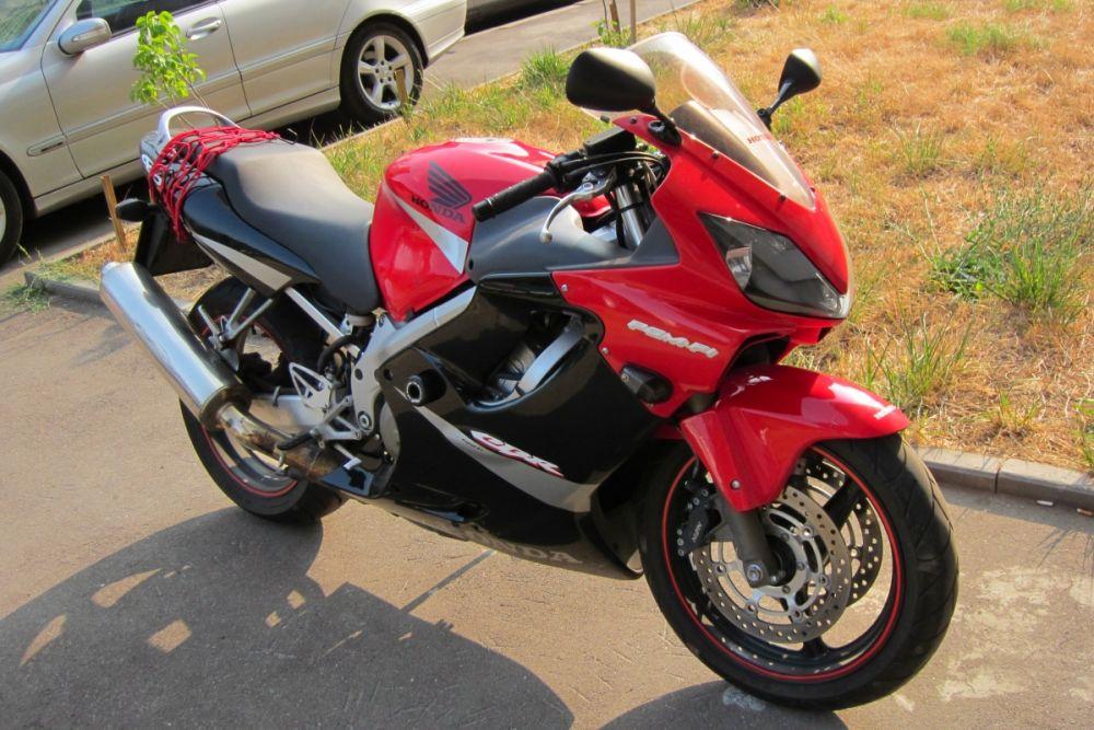 Honda CBR 600 F4i: настоящий спорт-турист