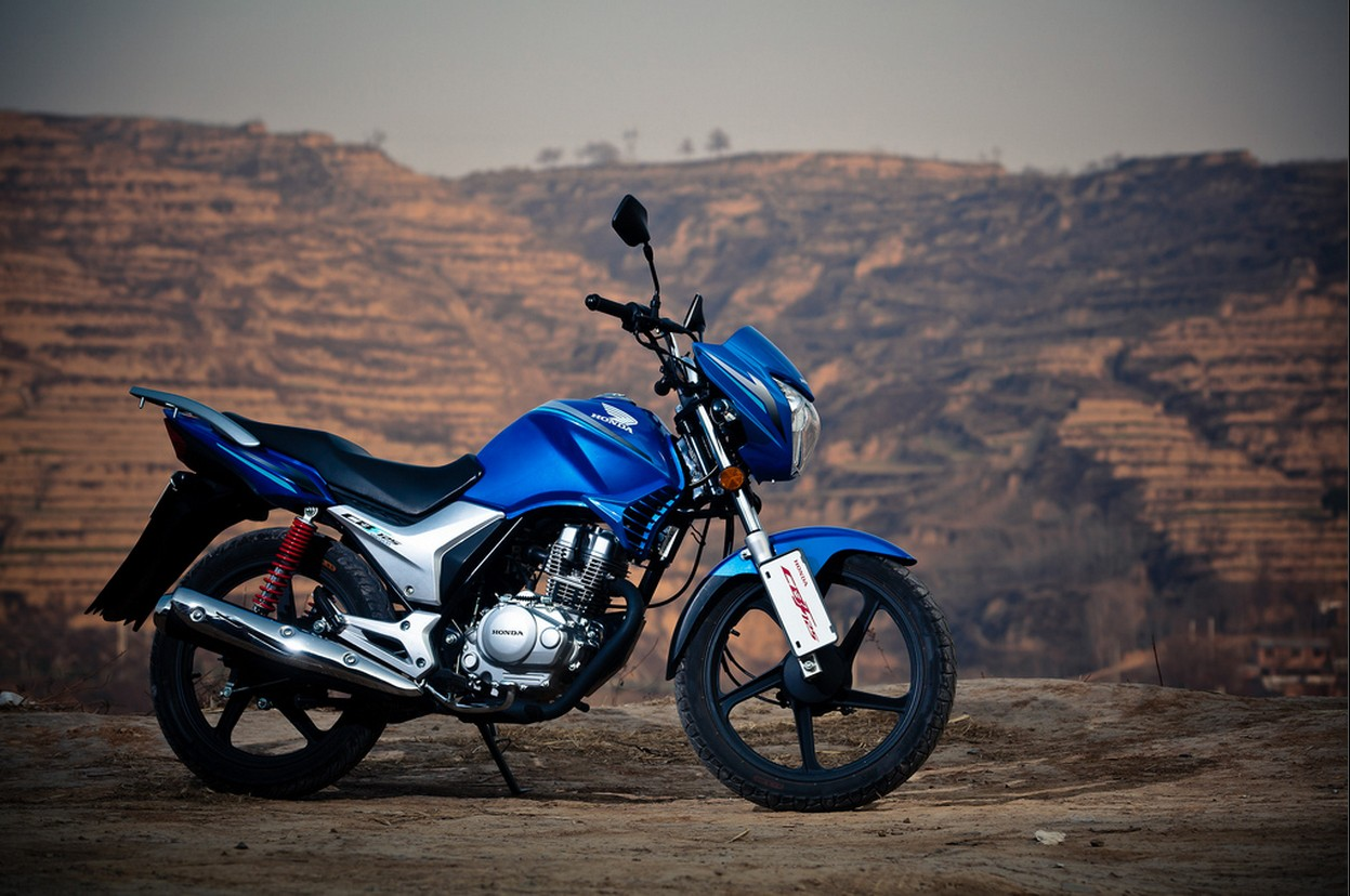 Тест-драйв мотоцикла Honda CB125E