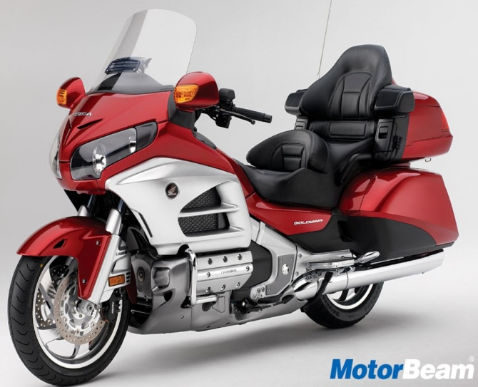 Тест-драйв мотоцикла Honda GL1800 Gold Wing