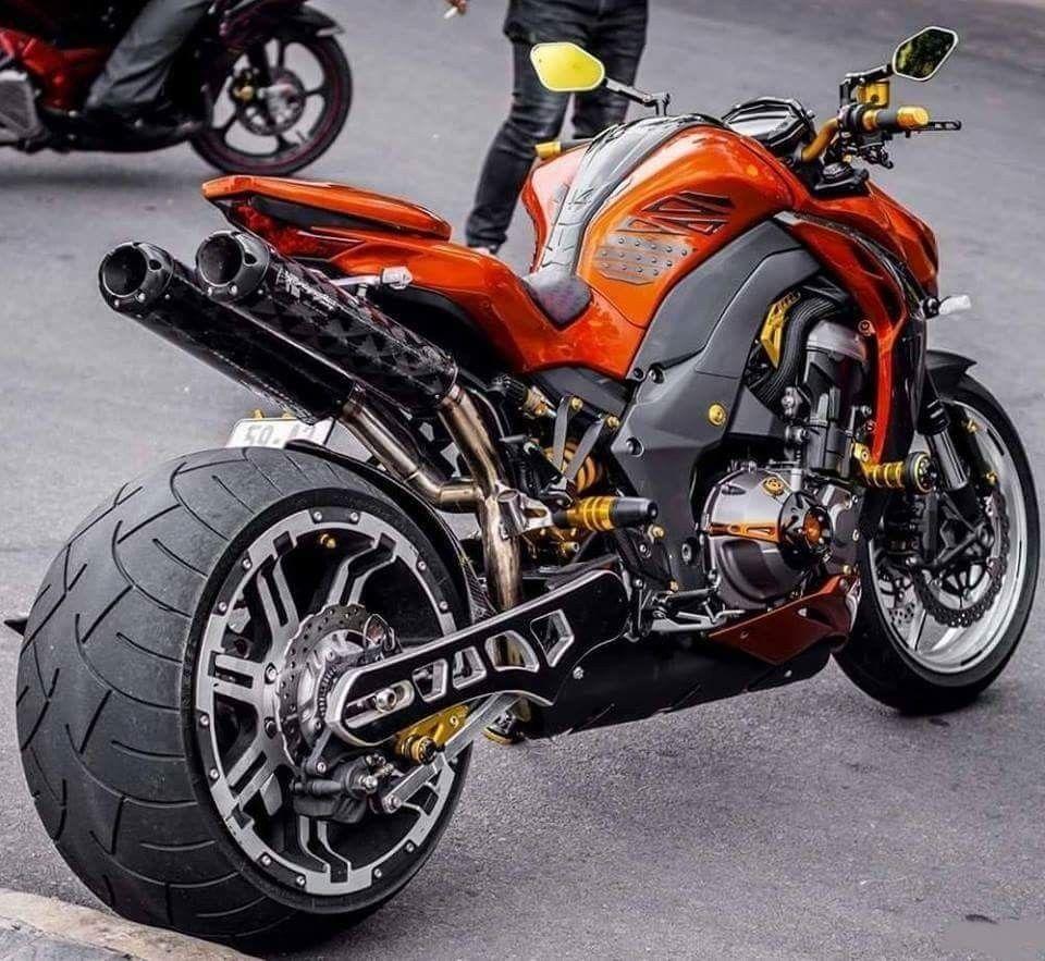Kawasaki Z1000 — мотоцикл дорожного класса