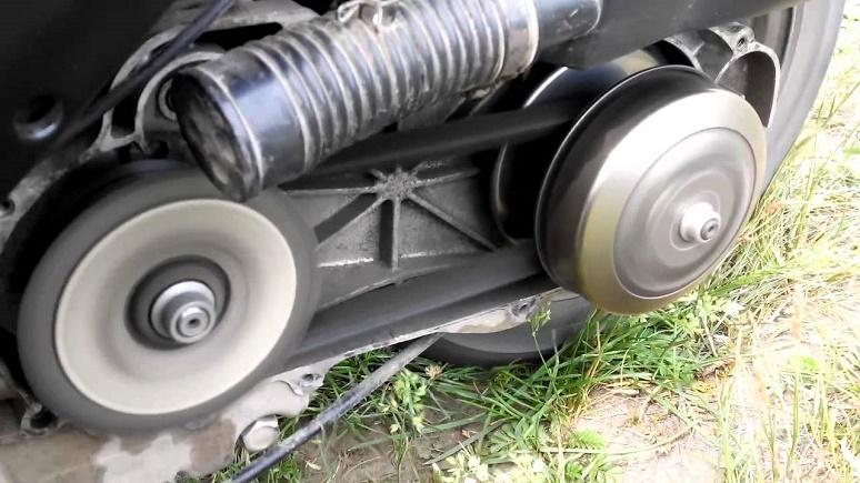 Перегревается двигатель на скутере ? Возможные причины.
