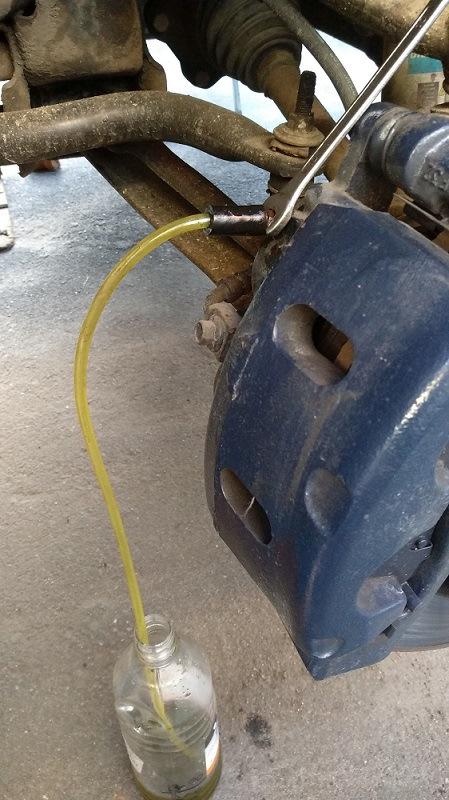 Замена тормозной жидкости на скутере