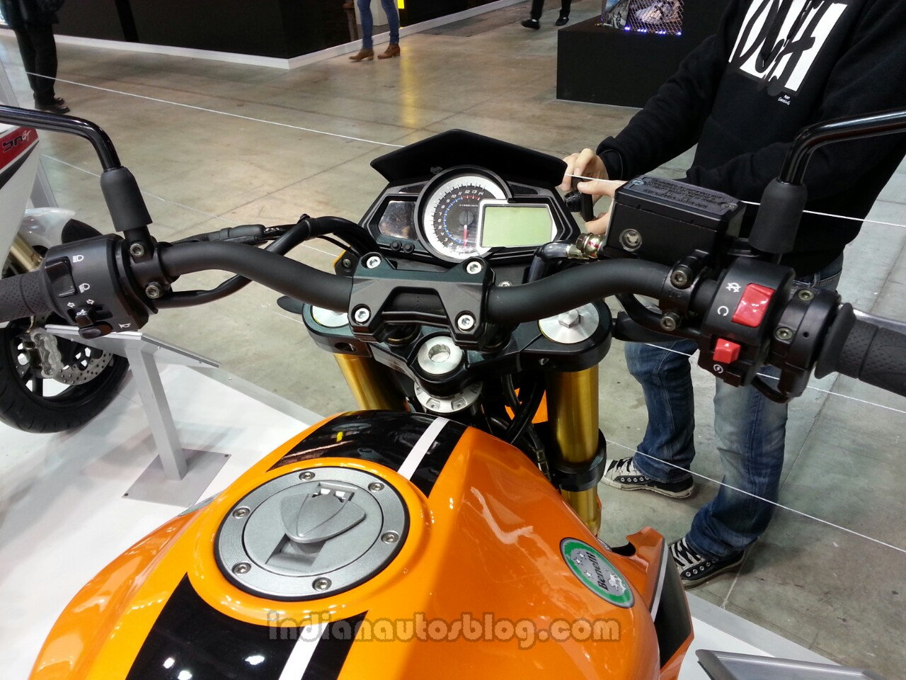 Спортивный аппарат Stels Benelli 300