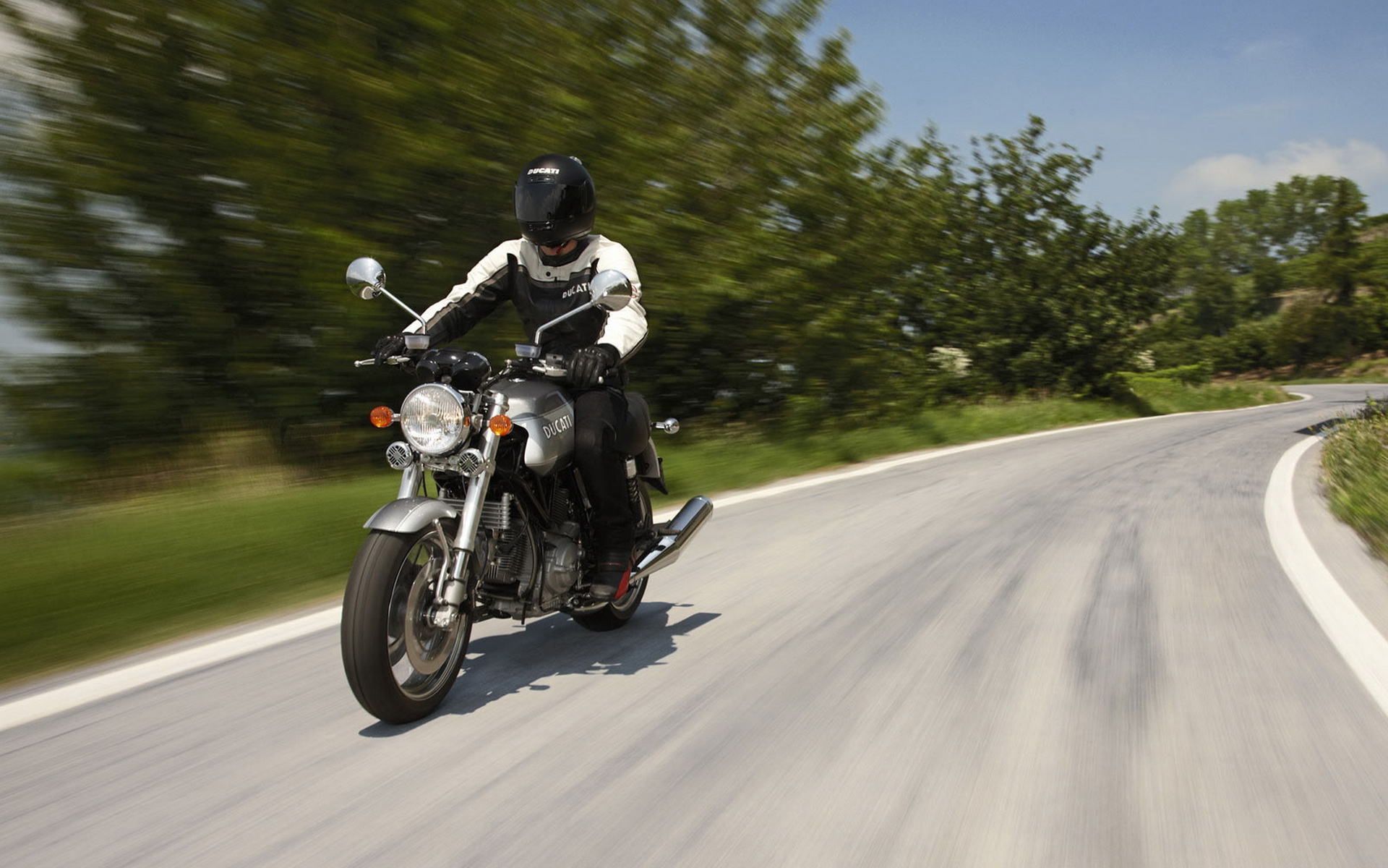 Дорожные мотоциклы