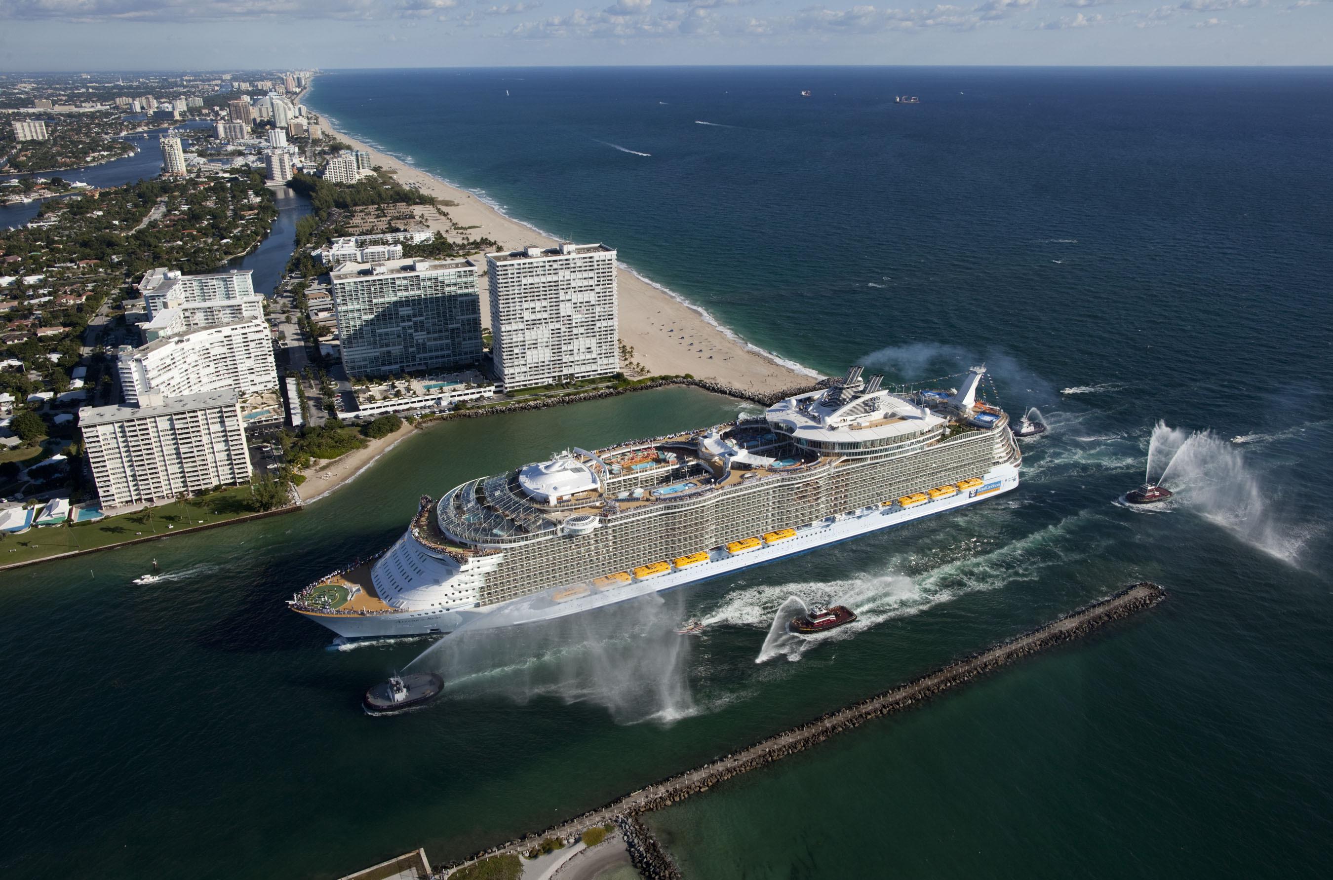 Самый большой круизный лайнер в мире