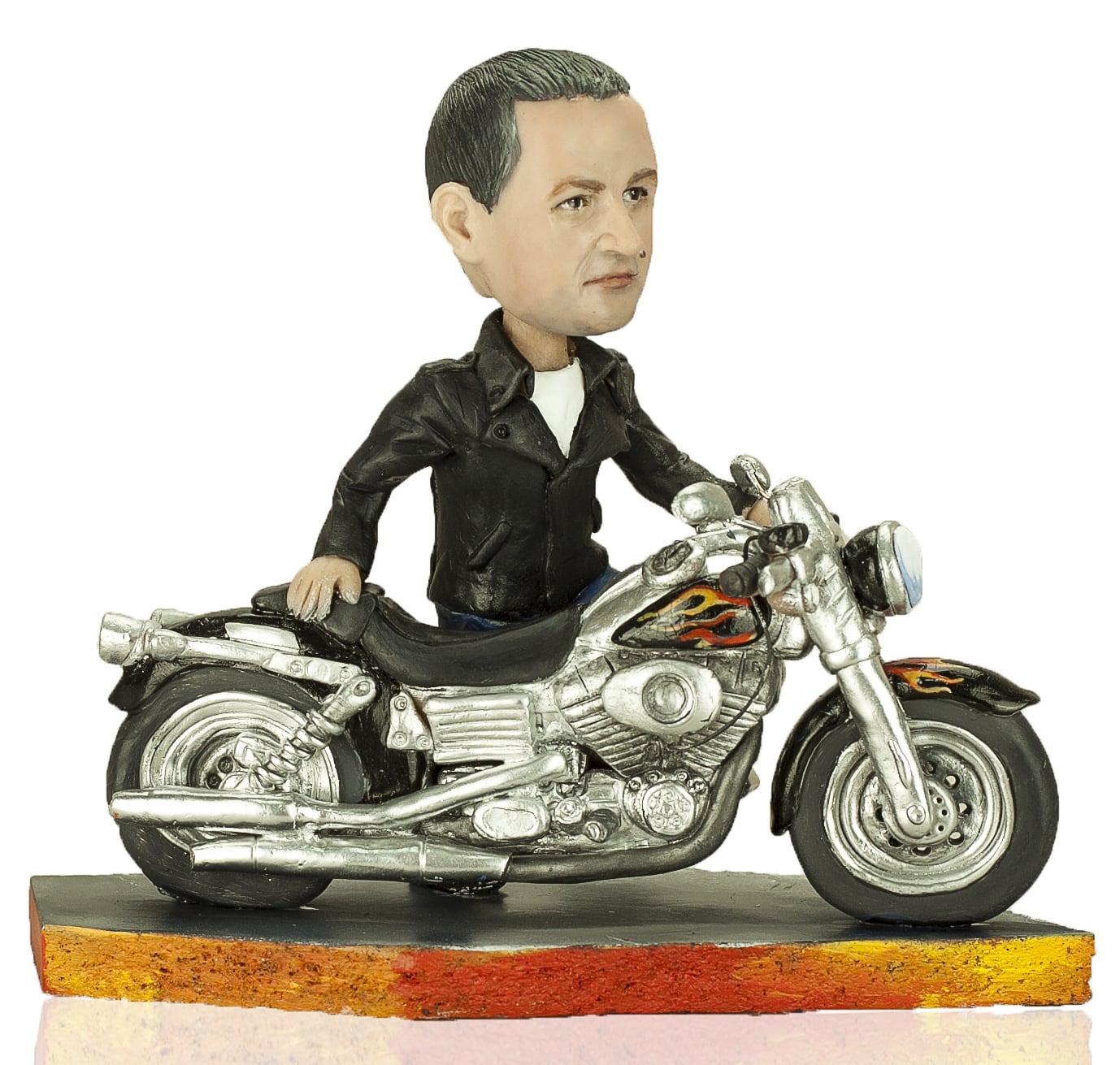 Что подарить мотоциклисту?