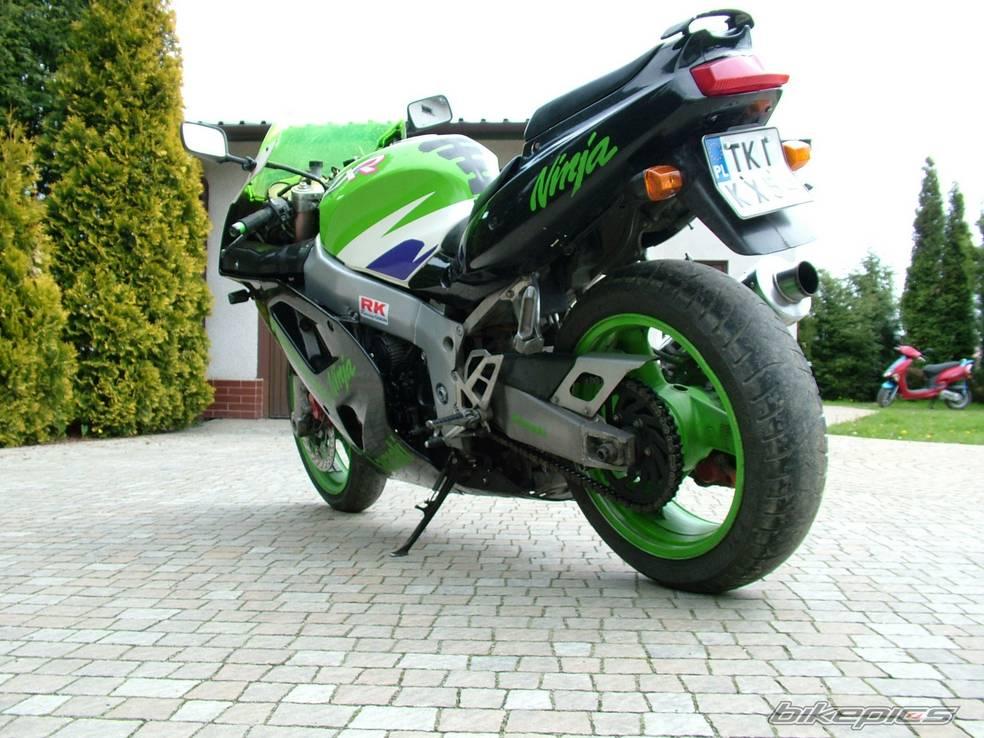 Тест-драйв мотоцикла Kawasaki ZXR750