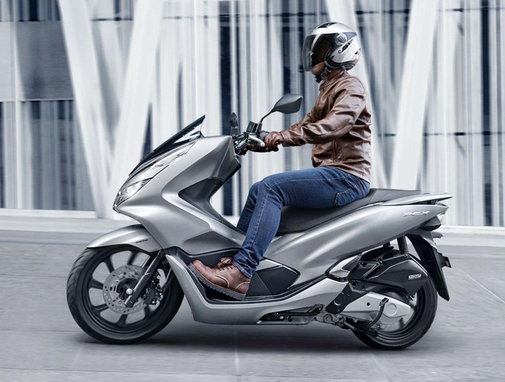 Новые скутеры Honda PCX оснастили более мощными двигателями