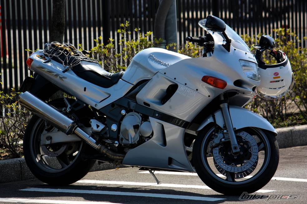 Обзор байка Kawasaki ZZR (Кавасаки ЗЗР) 400