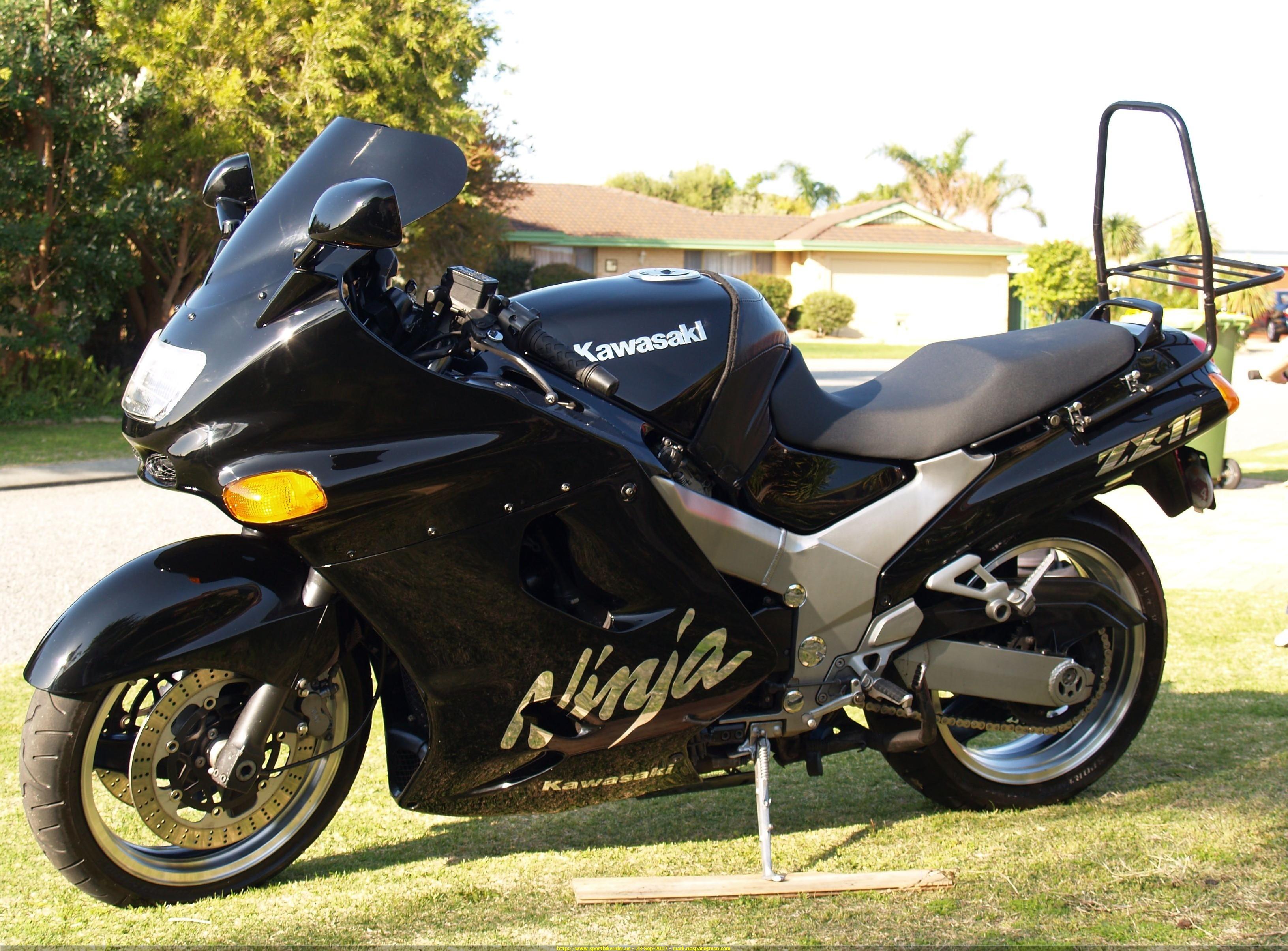 Тест-драйв мотоцикла Kawasaki ZZ-R1100