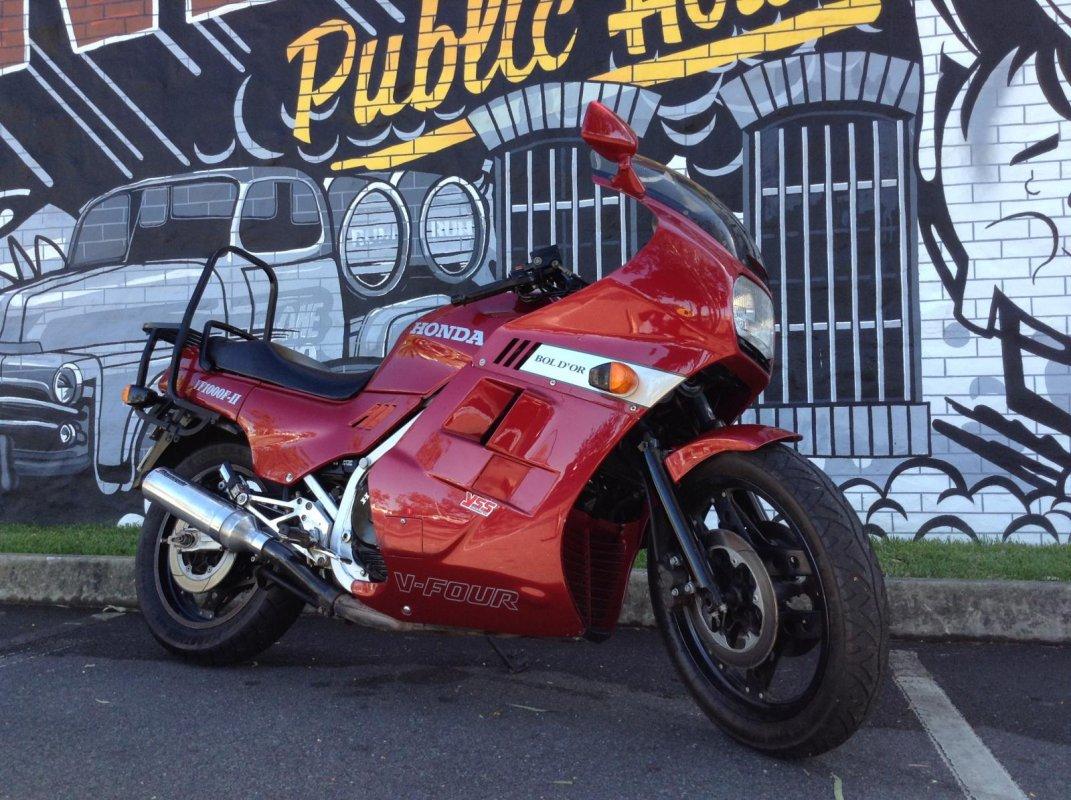 Тест-драйв мотоцикла Honda CBR1000F