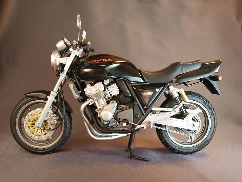Мотоцикл Honda CB 400: технические характеристики и краткий обзор модели