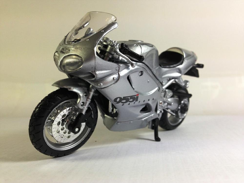 Мотоцикл Triumph Daytona 955i Centennial Edition (2002)