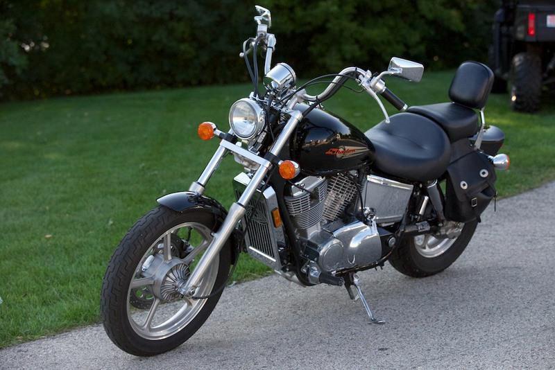 Honda Shadow 1100 (Honda VT 1100)